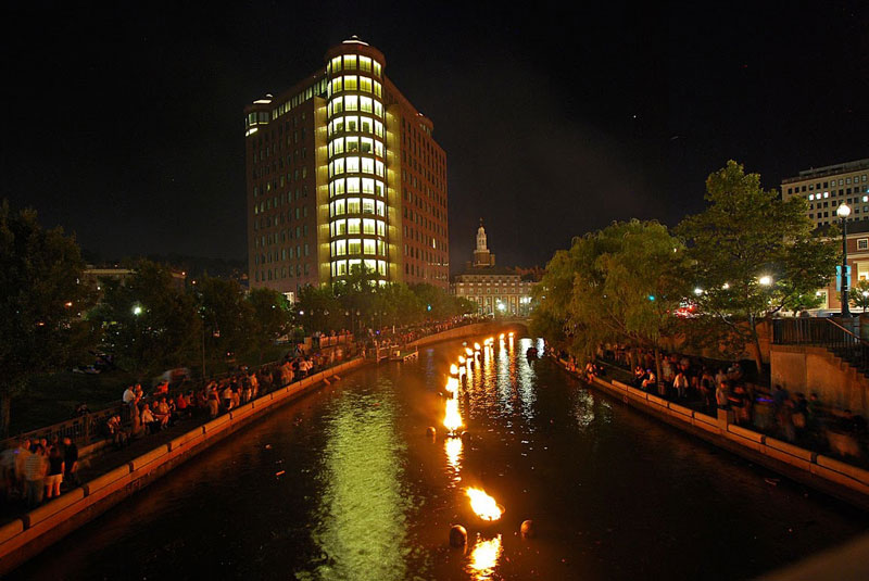 On WaterFire nights, a sparkling ribbon of bonfires (art installations) wind along the downtown rivers while exotic music plays in the background.