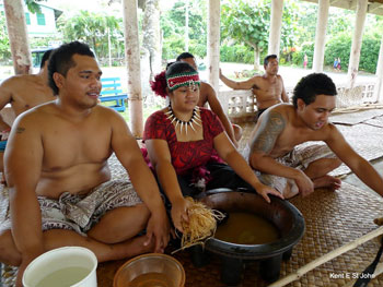 Kava drinking on Upolu