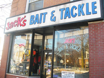 If you're not in the mood to join a yacht club, you can rent a boat at Jack's Bait & Tackle