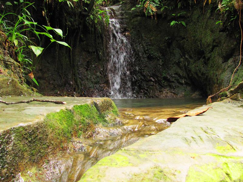 A freshwater jacuzzi at La Manigua