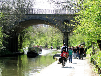 Regent's Canal, London, a great place for a walk.