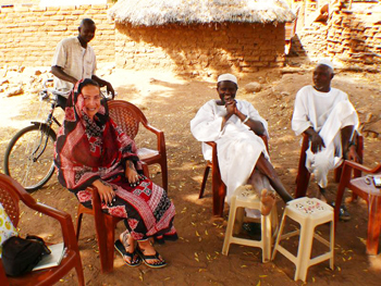Sipping tea with Chief Mohammad Rahal and his brother in Hadjaralmak, Sudan. Photos by Rene Bauer and Andrea Kaucká.