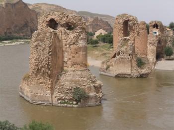 Bridge over the Tigris River in SE Turkey.