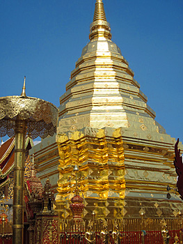 Visiting Thailand: Golden Temples, Ancient Canals and Hill Tribe Villages