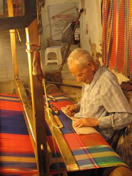 A weaver in Yazd