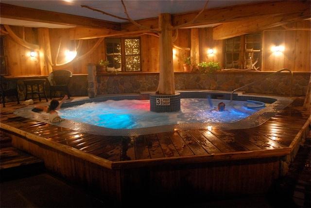 Hot Tub in Lake Placid. Sonja Stark photo.