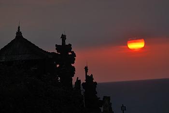 Sunset at Tanah Lot in Bali