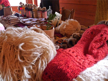 Mapuche crafts made of wool.