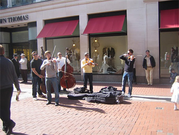 Musicians on Grafton Street in Dublin. photos by Mariel Kennison.