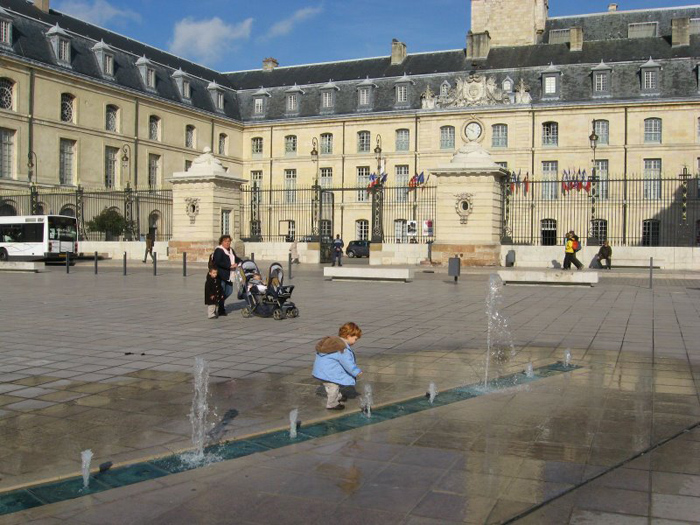 Fountain at the Place de la Liberation, Dijon France. Photo by Alexandra Regan.
