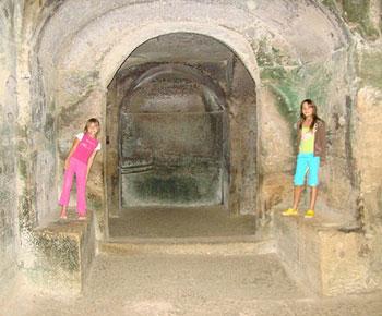 The Cave of the Sibyl. Photo by Barbara Zaragoza.