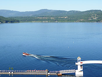 Boating on Lake Coeur d'Alene