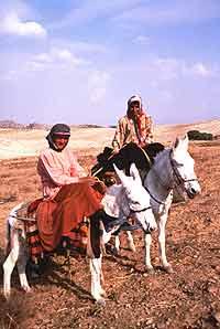 Qashqai girls on migration. photos by Brid Beeler.