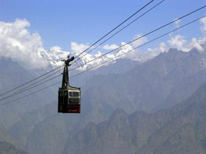 The ropeway to Auli