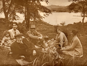 A family outing on Loch Long around 1920.