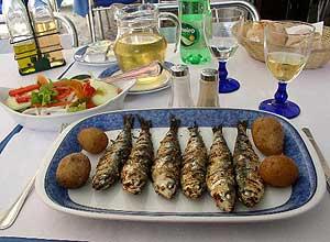 A sardine lunch - photos by Jacqueline Harmon Butler