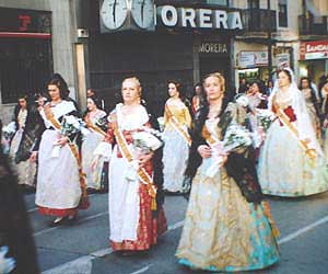 Falleras in traditional costume