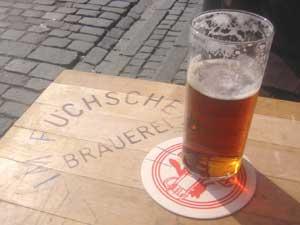A table at the Fûchshen Brauerei