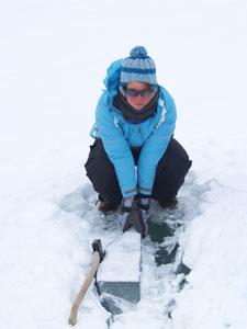 Mungla collecting ice