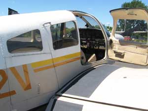 The cockpit of the Piper Warrior