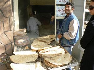A bread merchant in Darakeh