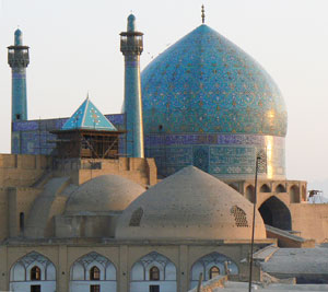 Another view of the mosque in Esfahan