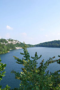 The clear waters of Lake Minnewaska right at the beginning of the hike