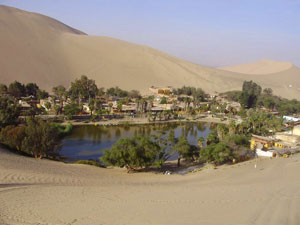 Another view of Huacachina