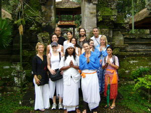 The Bali Bliss Tour 2008 at the Penestanan temple in Ubud. Photos courtesy of Michelle Jolanda Carballo