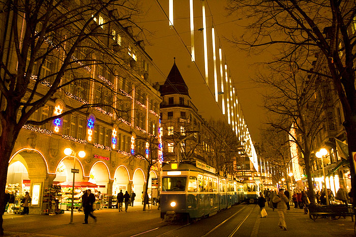 he famous Bahnhofstrasse Decorated for the Holidays. Photo by Sony Stark.