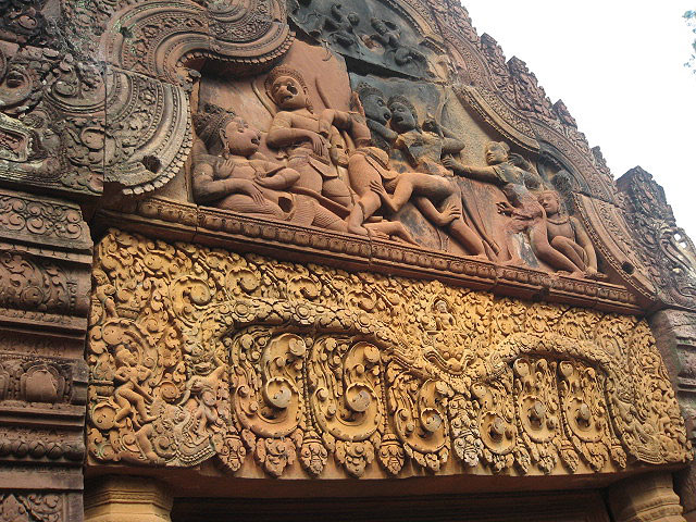 Pristine carviPristine carvings at Banteay Srei, the