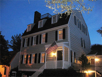 It is one of the only houses in Savannah that has a Widow's Walk on the roof, a feature that was more common to houses in New England. Built in 1799.