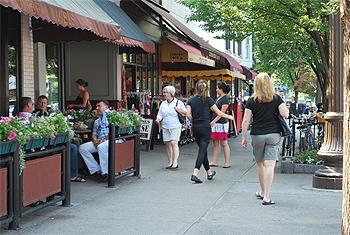 Street scene in downtown Saratoga. photo Sonya Stark.