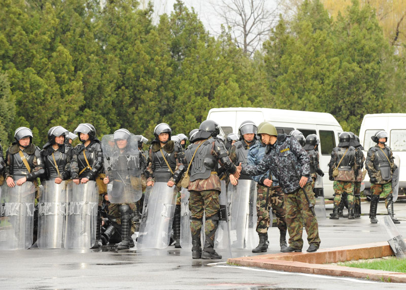 Riot police in Bishkek, Kyrgyzstan, April 7, 2010