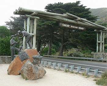 Great Ocean Road commemorative sign and sculpture.