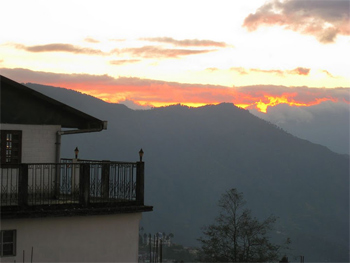 Darjeeling sunset from the Shangri-la Regency. click to enlarge photo.