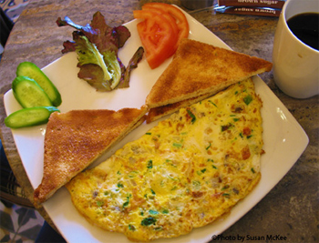 An omlette with lemon slices in Beirut.