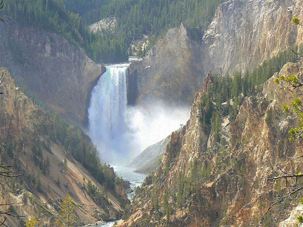 Middle falls, Yellowstone River.