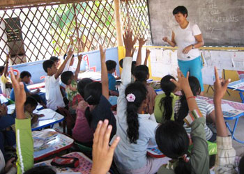 Victoria Cho leads a lesson in English at the Chres Village School and Orphanage in Siem Reap, Cambodia. Photos by Victoria Cho