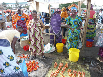 The bright and colorful culture of the Tanzanians is reflected in their markets.