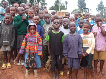 AID Kenya provides basic necessities and education for orphans and vulnerable children in slums and rual areas in Kenya.