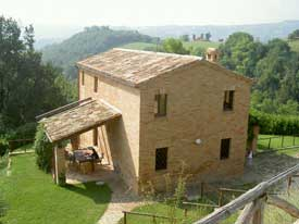 Casa Fontanelle, in Sant'Angelo in Pontano.photo by Max Hartshorne.
