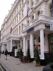 The entrance to the Hyde Park Hotel
