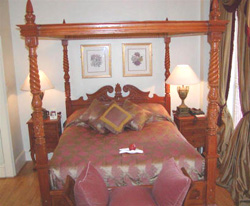 A four-poster bed at the Twenty Nevern Square Hotel