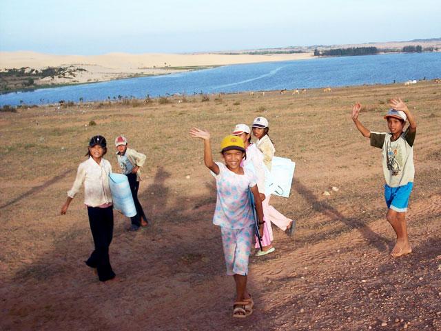 Kids in Mui Ne, Vietnam