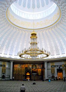 The interior of the Omar Sultan Ali Saiffuddin Mosque