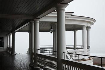 Veranda of the Ocean House.