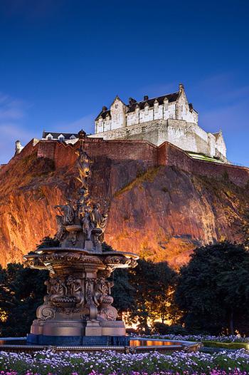 You can take in Edinburgh's Fringe Festival with iStopover.