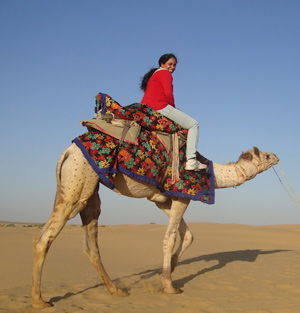 Mridula Dwivedi ride a camel in the sand dunes in Jaisalmer, Rajasthan