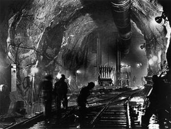 Under Manhattan: Excavation of Stage 1 of City Water Tunnel Number 3 looked like this in 1972.
